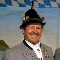 Kassenprüfer und Ehrenmitglied Georg Hanslmeier