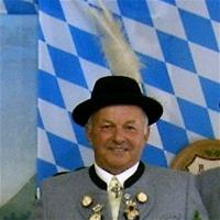 Ehrenmitglied August Grundner